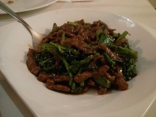 Carne com brócolis do Kar wua comida chinesa 88 milhas